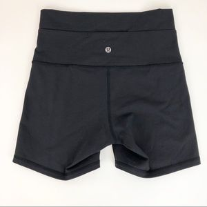 "LULULEMON wonder short 5"" black yoga short 6"